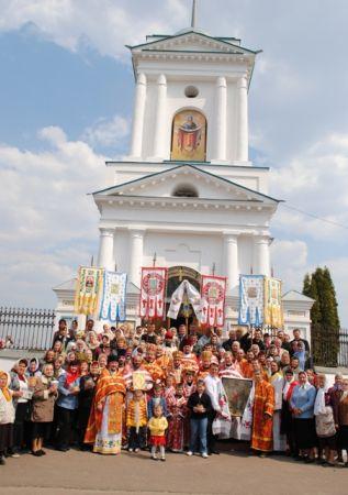 У другий день святої Пасхи преосвященнійший єпископ Іларіон відвідав своє друге кафедральне місто