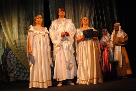 """Світлий понеділок , пасхальний я"""" концерт, благословення владики, вистава """"Воскресіння - фотозвіт"""